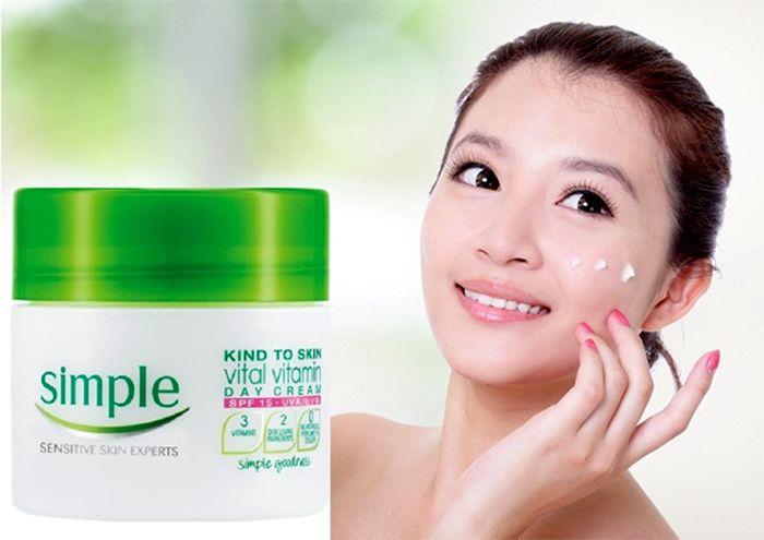 Kết quả hình ảnh cho Kem dưỡng Simple Vital Vitamin Cream 50ml